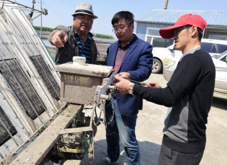 立足三江,服务三农——农学院教师深入企业一线提供技术服务
